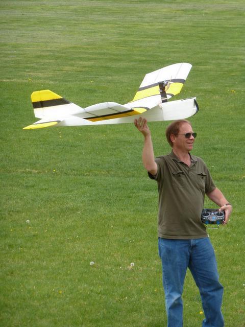 http://rc-aviation.ru/components/com_agora/img/members/7612/P1030905.jpg