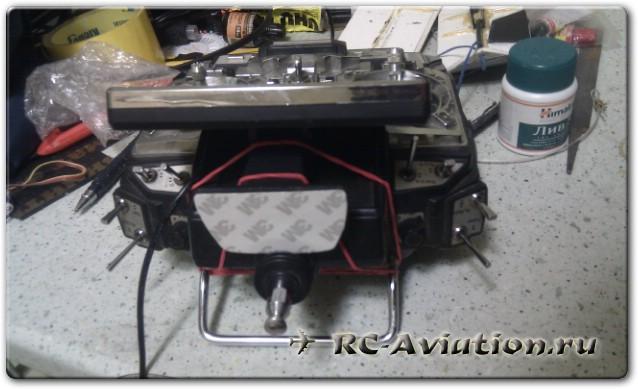 Крепление FPV монитора к передатчику