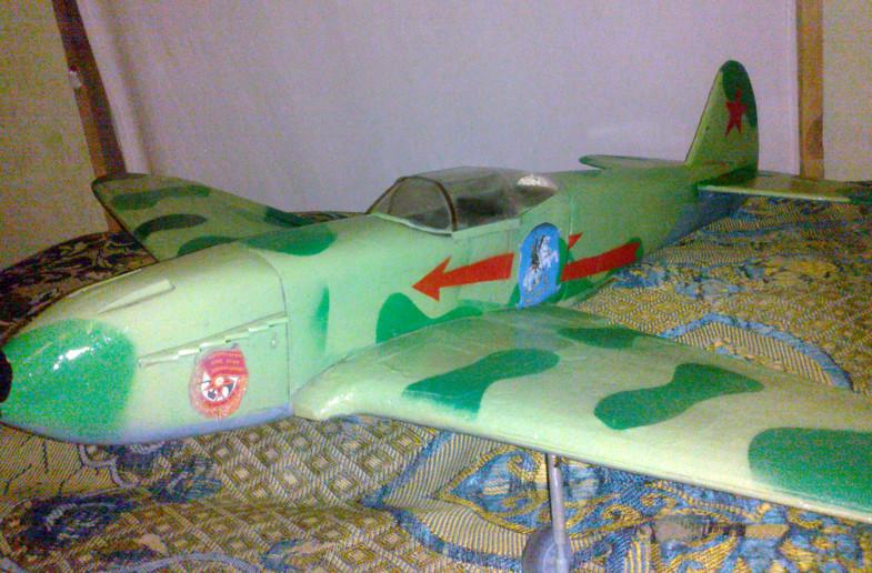 Як-3 авиамодель из бутылки