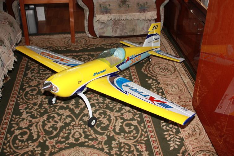 Самодельная радиоуправляемая авиамодель Extra