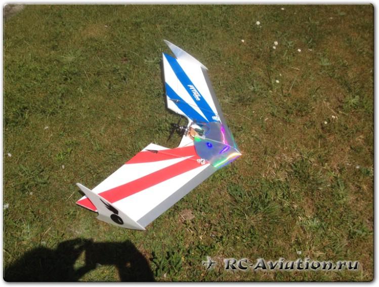 чертежи и постройка летающего крыла Pyth 700