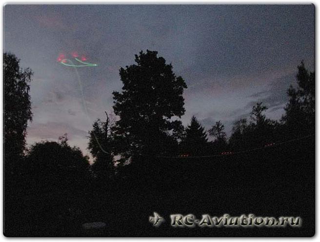 Авиамодель из потолочки Светлячек