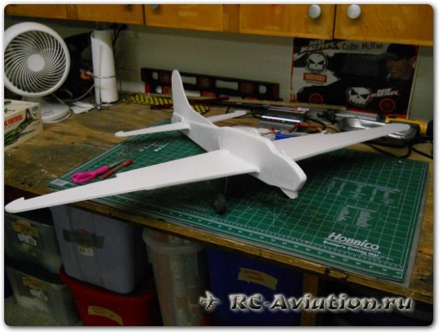 Модель 4-х моторного самолета boeing b-17f