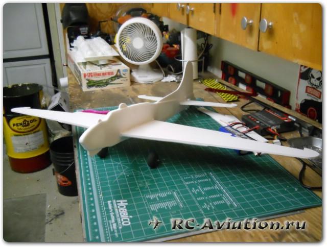 как сделать модель 4-х моторного самолета