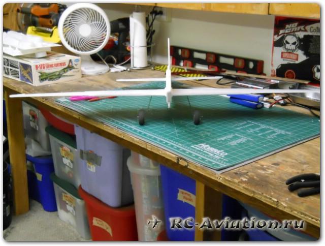 Модель 4-х моторного самолета