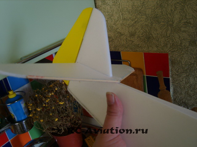стабилизатор на самодельной авиамодели