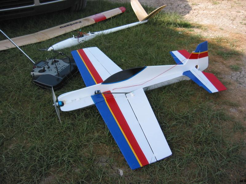 Радиоуправляемый самолёт своими руками из потолочки 340