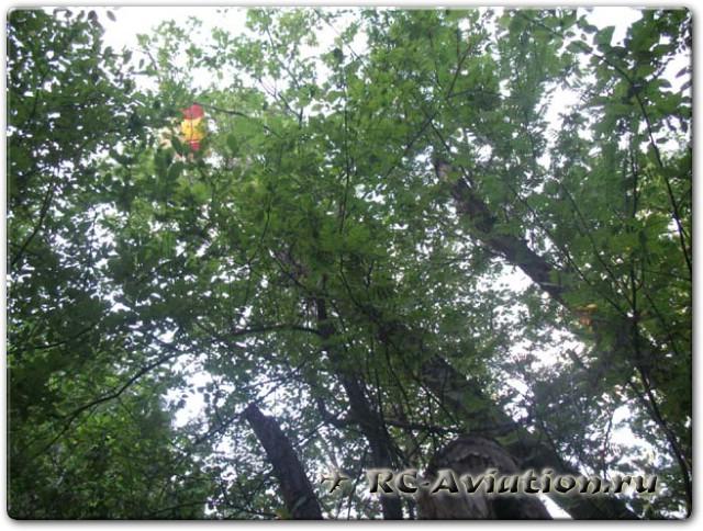 как снять авиамодель с дерева