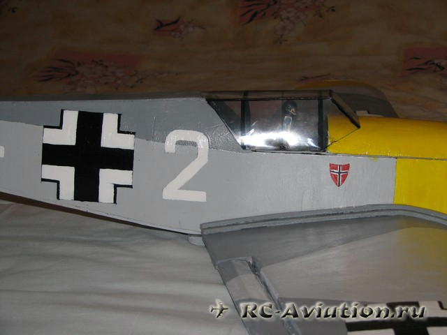 Авиамодель из потолочки bf-109