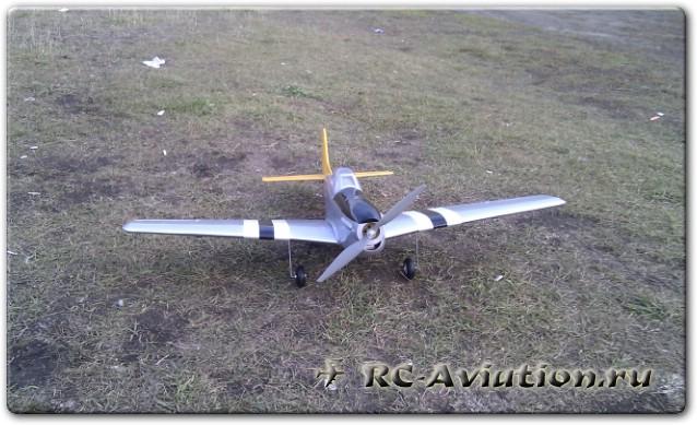 Радиоуправляемая модель самолета Pilotage P51 Mustang EP/25 ARF