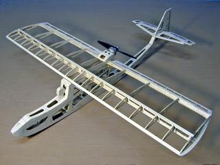 Бальсовая конструкция авииамодели Go-Go Dancer