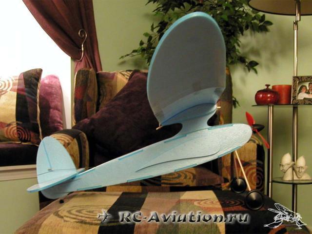 чертежи Авиамодели которая летает сама
