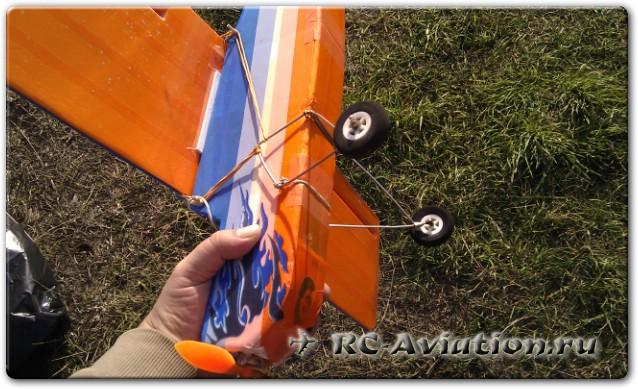 Самодельные съемные шиасси для радиоуправляемой модели самолета