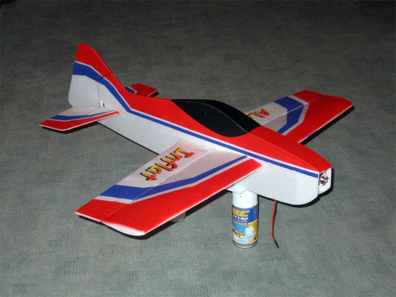 Вариант окраски радиоуправляемой авиамодели