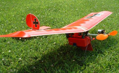 Подвесной бомболюк для авиамодели
