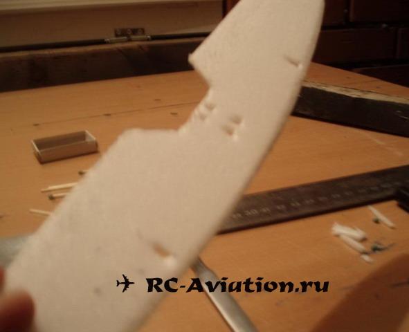Верхнее крыло свободнолетающего биплана
