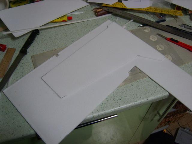 Расположение чертежей крыла KAtana напотолочке